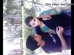 Desi Lover park kissing seen..:::www.desixnxx.net :::..