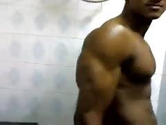 hot indian bodybuilder
